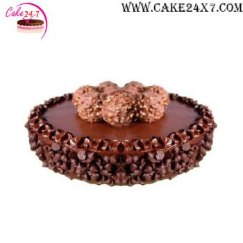 Chocolate Ball & Crunch Cake