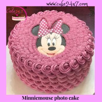 Minnie mouse Photo cake