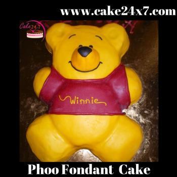 Phoo Fondant  Cake 1